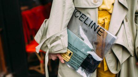 Bí quyết tạo phong cách thời trang với túi xách trong suốt